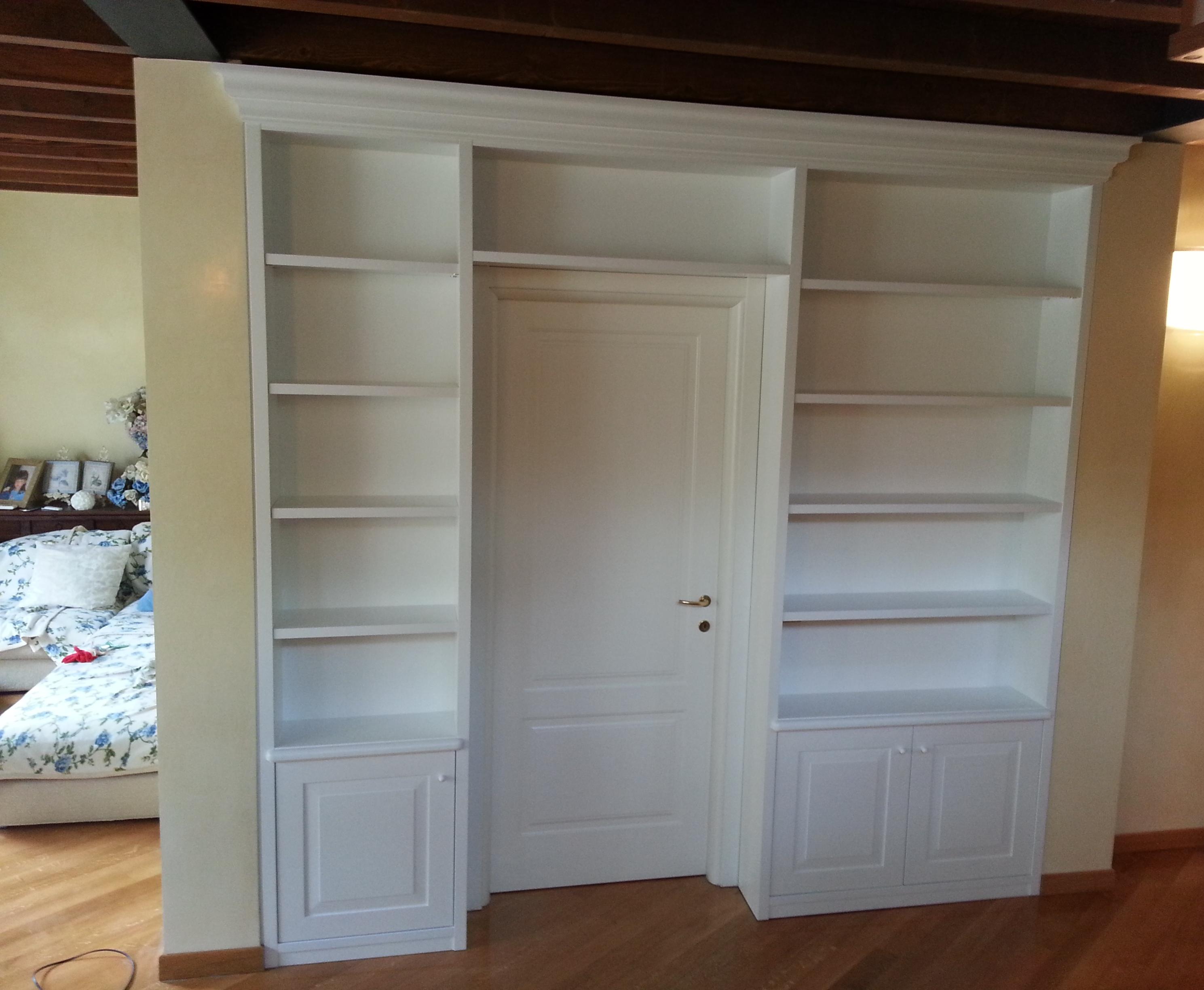 Falegnameria fiaccola dello bs for Libreria divisoria con porta
